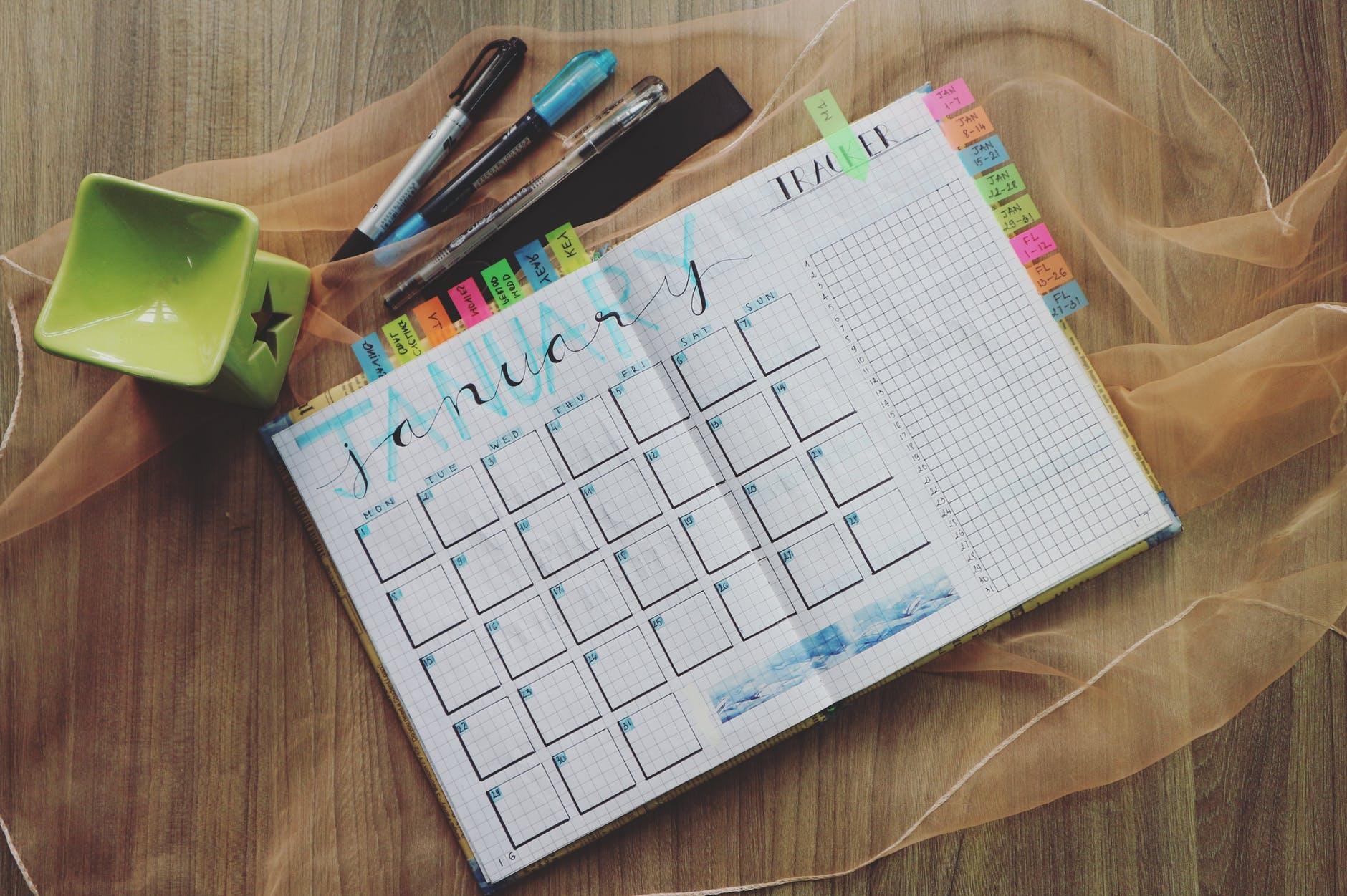 calendarul editorial